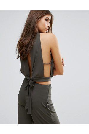 femme-tops-t-shirts-top-a-encolure-montante-avec-lien-a-nouer-au-dos