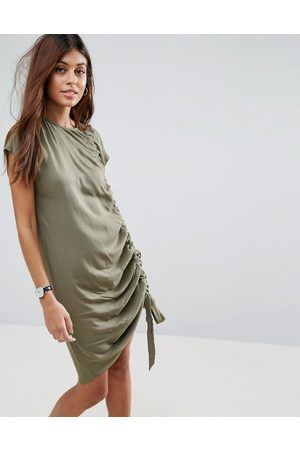 femme-robes-sans-manches-asos-robe-t-shirt-sans-manches-a-details-fronces